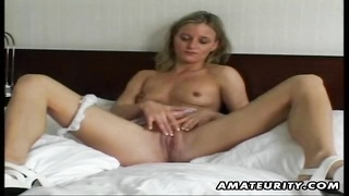 A Nice Young Amateur Gf  Homemade Masturbation And Bang Ending With A Jizz Shot On Her Warm Natural