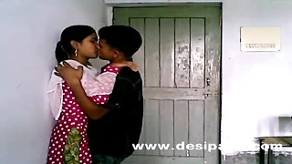Indian College Babe Boobs And Snatch Munched  Homemade Mms