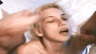 Blonde Amateur Teen Gets A Good Facial